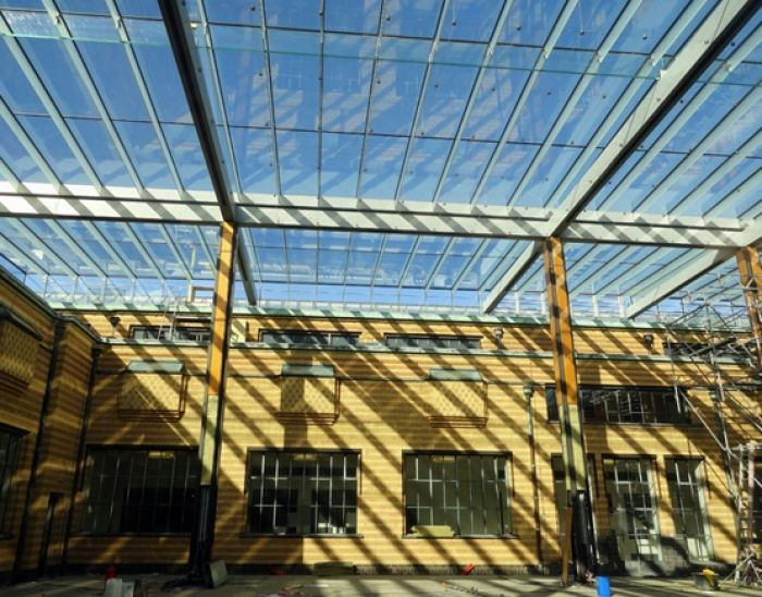 Contract: glass building parts Mauritshuis